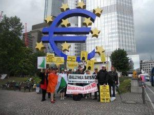 Comisión de Ballyhea entregaron una de carta protesta al BCE