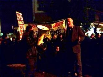 Manifestación en Petralona el distrito donde fué apuñalado un hombre por ser pakistaní. #rbnews