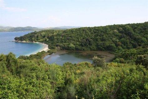 La primera inversión extranjera en tierras públicas. Kassiopi -Casiopea